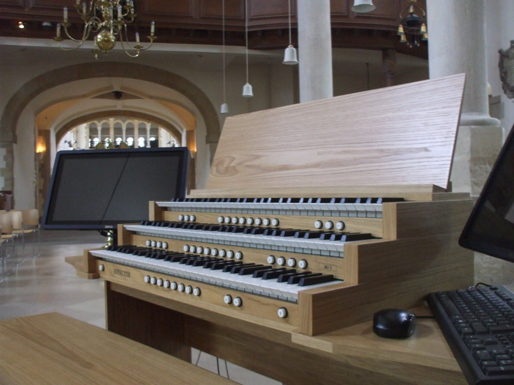 Portsmouth Cathedral – Battle Of the Organs!